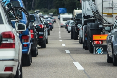 Jams expected as more than 20 million drivers plan Christmas getaway